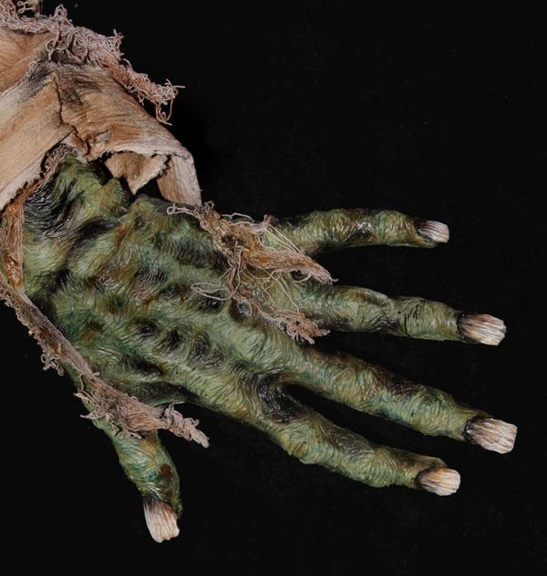делаем «мумифицированную» руку