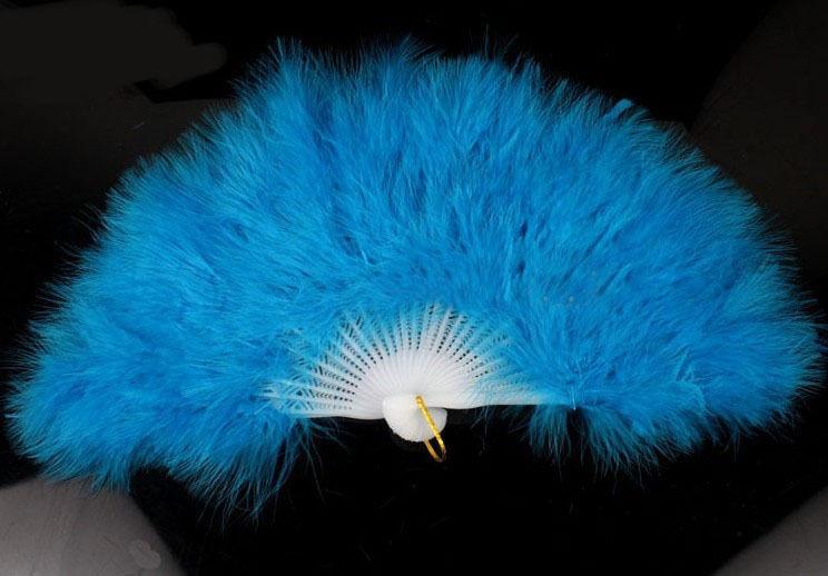 Веер пушистый голубой