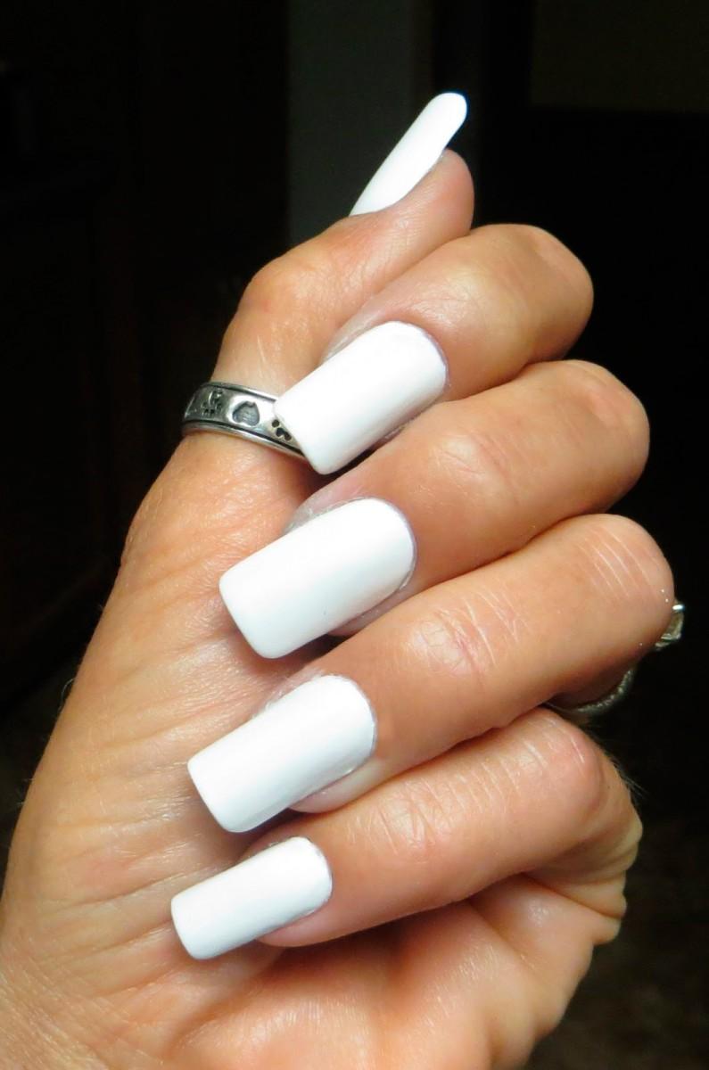 Ногти накладные белые