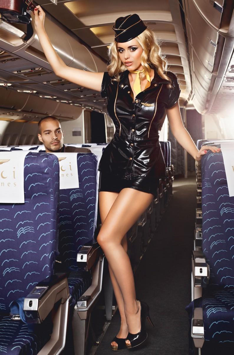 Стюардессы в мини юбках нужная
