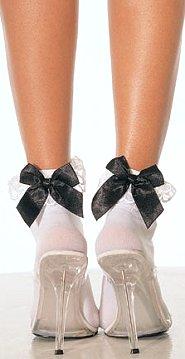 Белые носки с бантами белыми