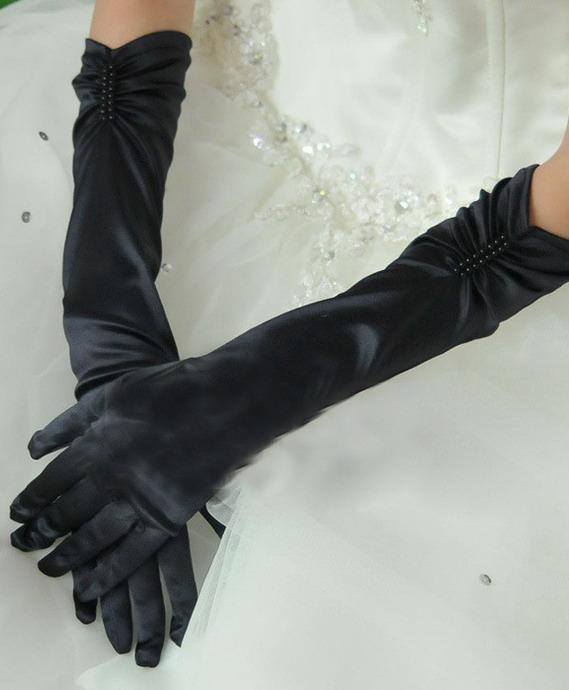 Черные перчатки до локтя