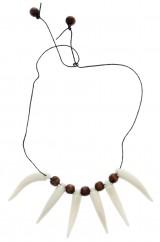 Ожерелье из клыков
