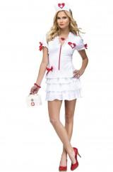 Красивая медсестра