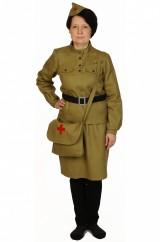 Смелая военная медсестра