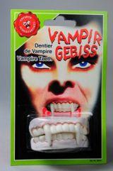 Зубы с клыками вампира