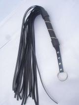 Черная плетка