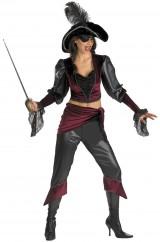 Озорная пиратка-красотка