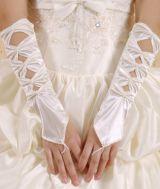 Белые перчатки без пальцев с бантами