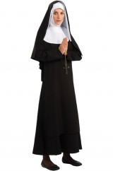 Набожная монахиня